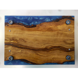 Cutting board in olive and resin 24 x 35 x 2 cm